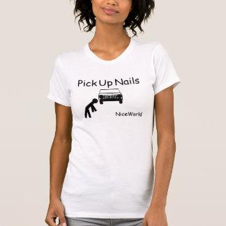 Heben Sie Nägel auf T-Shirt