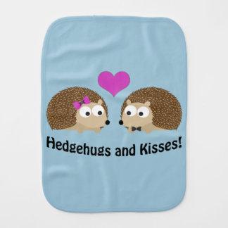 Hedgehugs und Kuss-Igels-Liebe Spucktuch