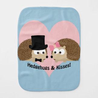 Hedgehugs und Kuss-Igels-Paare Spucktuch