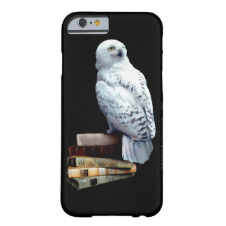 Hedwig auf Büchern Barely There iPhone 6 Hülle