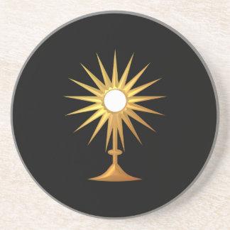 Heiliges heiliges Abendmahl im goldenen Monstrance Getränkeuntersetzer