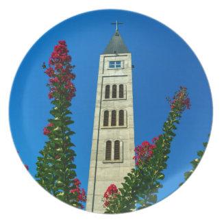 Heiligesluke-Turm in Mostar, Bosnien und Teller