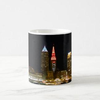 Heiße Cleveland-Skyline Kaffeetasse