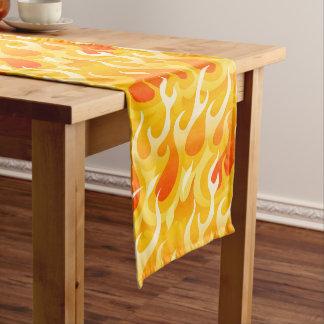 Heiße Flammen Kurzer Tischläufer