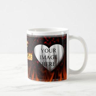 Heißes Charles-Feuer und roter Marmor Kaffeetasse