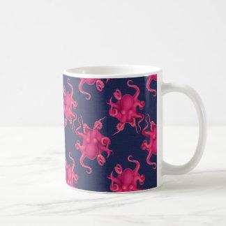 Heißes Rosa-Krake und Marine-Tasse Kaffeetasse