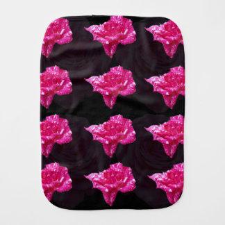 Heißes Rosa-und Schwarz-Rosen-Muster, Spucktuch