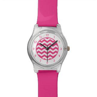 Heißes Rosa-weißes Zickzack Uhr
