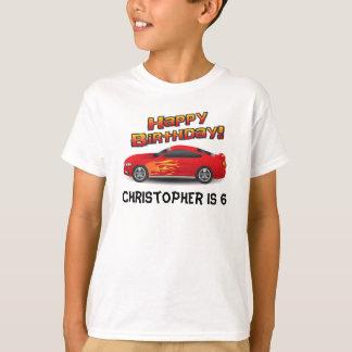 Heißes rotes Rennen-Auto mit der Geburtstags-Party T-Shirt