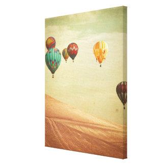 Heißluft-Ballone im Himmel Leinwanddruck