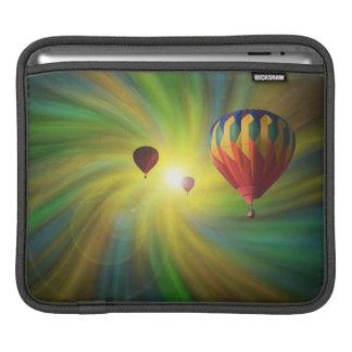 Heißluftballone in einer Pastellturbulenz iPad Sleeve Für iPads