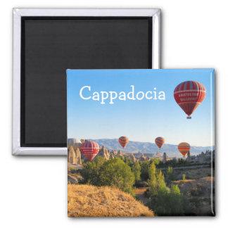 Heißluftballone über Cappadocia Quadratischer Magnet