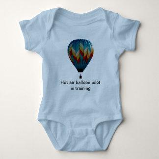 Heißluftballonpilot im Trainings-Strampler Baby Strampler