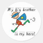Held-Bruder-T-Shirts und Geschenke Runder Aufkleber