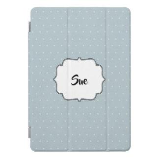 Hellblau und Tupfen mit Namen iPad Pro Cover