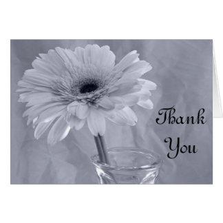 Hellblaues abgetöntes Gänseblümchen danken Ihnen Karte