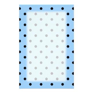 Hellblaues und schwarzes Tupfen-Muster Individuelle Druckpapiere