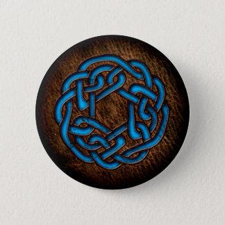 Helle blaue keltische Verzierung auf Leder Runder Button 5,1 Cm