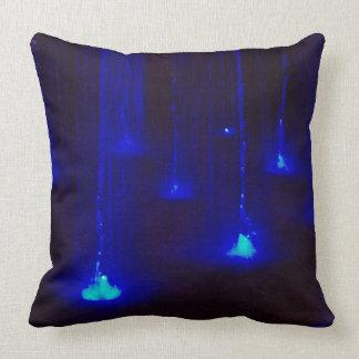 Helle blaue Lichter im Wasser Kissen
