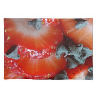 Helle Erdbeere und Schokoladensplitter des Spaßes Stofftischset