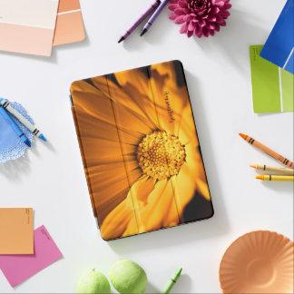Helle orange Gänseblümchen-Wildblume iPad Air Hülle