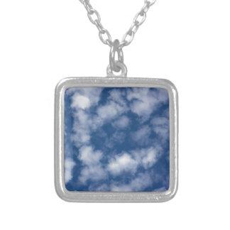 Helle Sommer-Wolken Versilberte Kette
