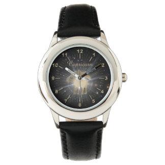 Heller goldener Steinbock Uhr