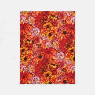 Heller Rojo mit Blumenblumenstrauß-reiche glühende Fleecedecke
