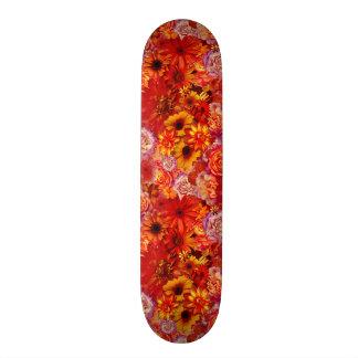 Heller Rojo mit Blumenblumenstrauß-reiche glühende Skateboardbretter