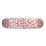 Helles abstraktes Blumendreieck-Pastell-Muster Skateboard Bretter