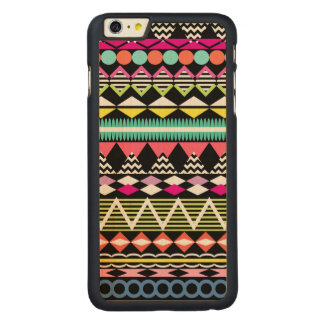 Helles buntes Party-Azteke-Muster Carved® Maple iPhone 6 Plus Hülle