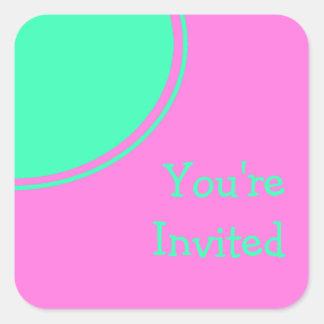 Helles rosa und grünes Retro Party laden ein Quadratischer Aufkleber