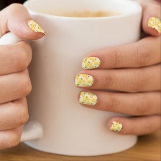 Helles Zitronen-Muster Minx Nagelkunst