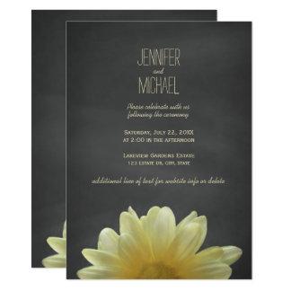 Hellgelbe Gänseblümchen-Tafel-rustikale Hochzeit Karte