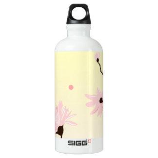 Hellrosa Magnoliengelbhintergrund Wasserflasche