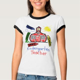 Hemd-Schulhaus u. Zeichenstift der T-Shirt
