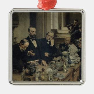 Henri Sainte-Claire konferierender Deville, 1890 Quadratisches Silberfarbenes Ornament