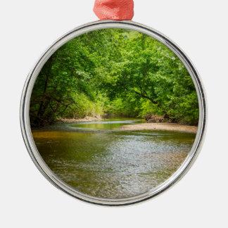 Herauf einen Nebenfluss Silbernes Ornament