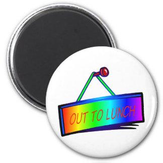 Heraus zu Mittag essen Zeichenthema Runder Magnet 5,7 Cm