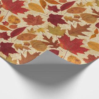 Herbst-Blätter auf Beige Geschenkpapier