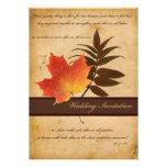 Herbst-Blätter auf gealterter Papierhochzeits-Einl