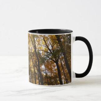 Herbst-Blätter in der Natur des Morgen-II Maryland Tasse