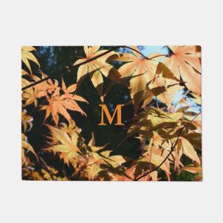 Herbst färbt Ahorn-Monogramm-Tür-Matte 1 Türmatte