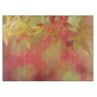 Herbst-Garten-roter goldener gelber Schneidebrett