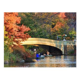 Herbst im Central Park: Kreissägen durch Postkarte