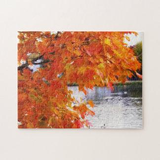 Herbst-Laub durch Teich Puzzle