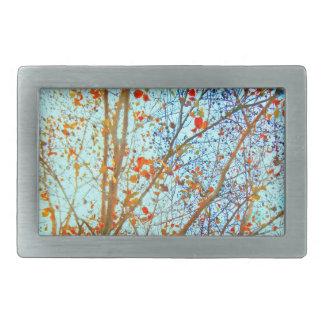Herbst-Orangen-Blätter und blauer Himmel Rechteckige Gürtelschnalle