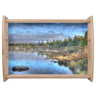 Herbst-Sonnenaufgang in Moosehead See Maine Tablett