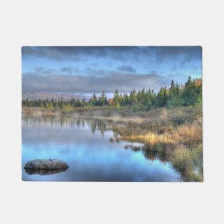 Herbst-Sonnenaufgang in Moosehead See Maine Türmatte