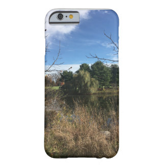 Herbst-Teich-Kiefer Barely There iPhone 6 Hülle